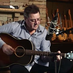 Music Friday: Vince Gill Proposes With a Pretty Diamond Ring in 'Like My Daddy Did'