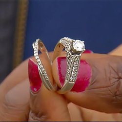 Win, Win: Good Samaritan Rewarded for Reuniting Teacher With Lost Wedding Rings
